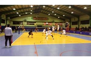 پایان مسابقات والیبال دانشجویان دانشگاه آزاد اسلامی در فیروزکوه با قهرمانی آذربایجان غربی