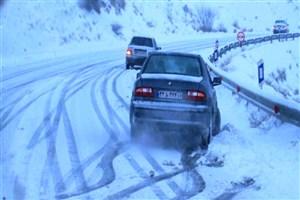 خطر واژگونی  خودروها در جاده های  لغزنده