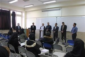 بازدید رئیس دانشگاه آزاد اسلامی واحد کرج از کلاس های درس دانشجویان