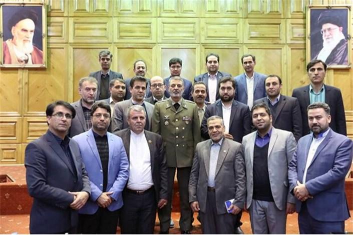 فرمانده ارتش با شورای عالی استان ها