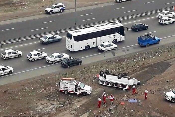 تصادف اتوبوس با 7 خودرو