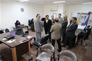بازدید دهقانی فیروزآبادی از مرکز رشد و واحدهای فناور واحد شیراز