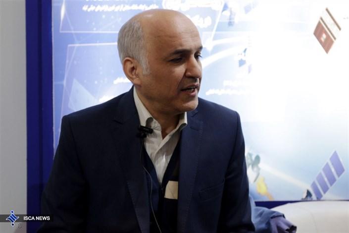 حسین صمیمی رئیس پزوهشگاه فضایی ایران