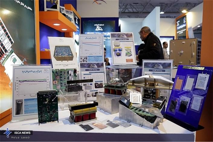 بازدید دکتر طهرانچی از بیستمین نمایشگاه دستاوردهای پژوهش، فناوری و فن بازار