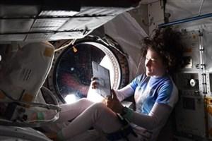 یک زن رکورددار طولانیترین سفر فضایی شد + عکس