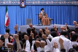 هزاران پرستار بهمناسبت میلاد حضرت زینب(س) با رهبر انقلاب دیدار کردند