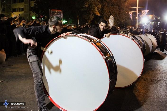 اجتماع عزاداران حسینی در خیابان های تهران