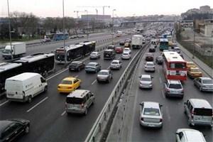 ترافیک نیمه سنگین در محورهای کرمان/بارش برف در جاده جزیره اسلامی آذربایجان شرقی
