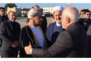 ظریف وارد مسقط شد/دیدار با سلطان جدید عمان