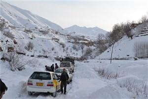 بارش برف سنگین در جادهها/ رانندگان احتیاط کنند