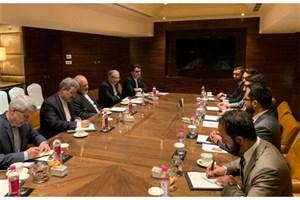 دیدار مشاور امنیت ملی افغانستان باظریف/رایزنی در خصوص تحولات منطقه
