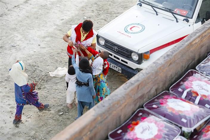 ارسال پتو و اقلام به  سیل زدگان سیستان و بلوچستان