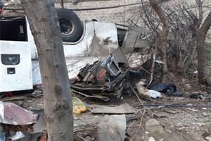 واژگونی اتوبوس در آزادراه اصفهان به شیراز/۹نفر کشته و ۱۹ نفرمصدوم شدند