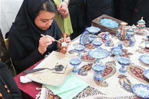 افتتاح نمایشگاه بازارچه فروش و دهه فجر در واحد اراک