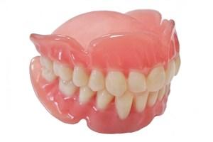 خرید یک دست دندان مصنوعی چند؟