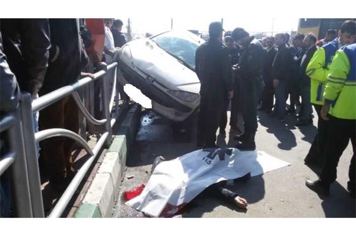 مرگ عابر پیاده در ایستگاه اتوبوس