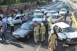 برخورد شدید سه خودرو در بزرگراه اشرفی  اصفهانی