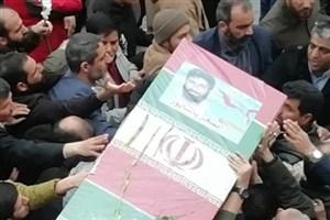 پیکر شهید اصغر پاشاپور پس از طواف حرم مطهر رضوی به تهران منتقل شد