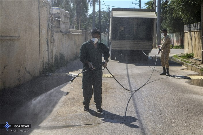 عملیات ضد عفونی خودرو ها و معابر  در اهواز