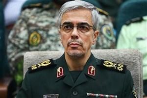 نام سپاه بر فراز قلههای اقتدار و عزت ایران میدرخشد
