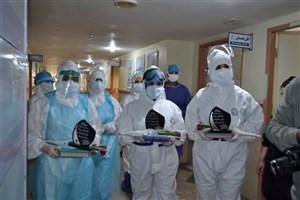 قدردانی دانشگاهیان واحد دزفول از کادر درمان بیمارستان گنجویان