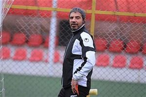 مجتبی محرمی: بعضی از فوتبالیستهای خارجی فقط خیلی خوب «تخمه» میشکستند!
