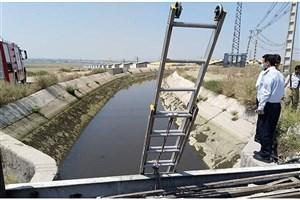 جسد پسر ۱۳ ساله از کانال آبی در خاورشهر بیرون کشیده شد