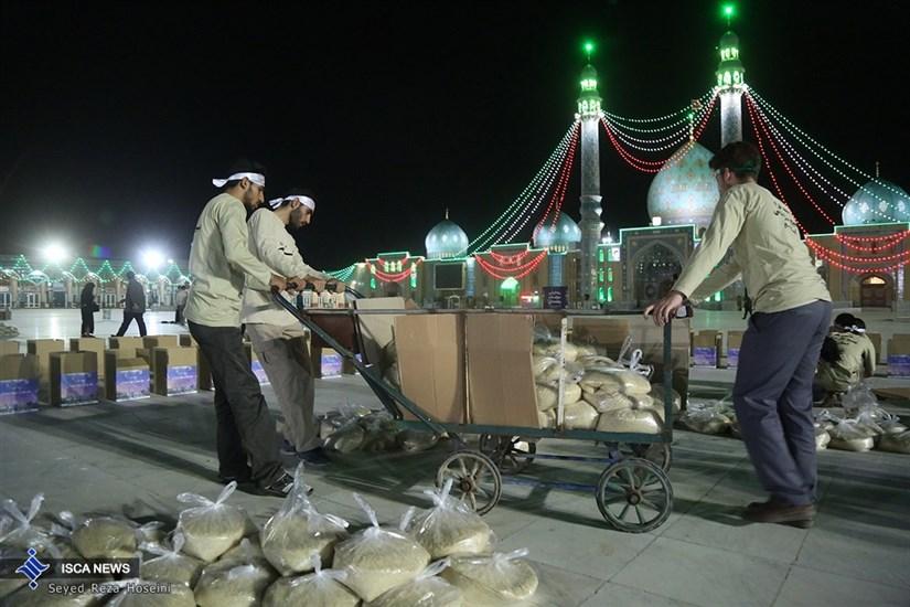 تهیه1000 بسته کمک معیشتی بسیج دانشجویی