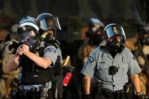 رفتارهای خشن پلیس آمریکا تهدیدی برای جان شهروندان هستند