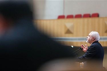 مراسم روز ملی صنعت و معدن صبح دوشنبه ۱۰ تیر ماه با حضور رضا رحمانی وزیر صمت، علی لاریجانی رئیس مجلس، محمد جواد ظریف وزیر امور خارجه، امیرحاتمی وزیر دفاع، منصور غلامی وزیر علوم، غلامحسین شافعی رئیس اتاق بازرگانی ایران در سالن اجلاس سران برگزار شد.