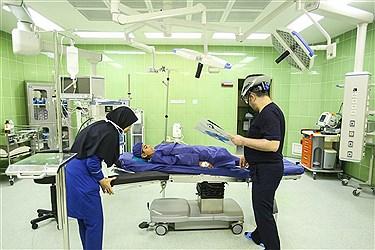 بیمارستان فرهیختگان مجهز به پیشرفتهترین تجهیزات پزشکی روز دنیاست؛ دارای بخش های مختلف از جمله NICU، ICU، جراحی زنان و مردان، بخش های بستری، اتاق های عمل، درمانگاه، اورژانس و... بوده و این روزها به بیماران و مراجعان خدمات درمانی ارائه می دهد و بستری برای التیام دردهای بیماران شده است. 