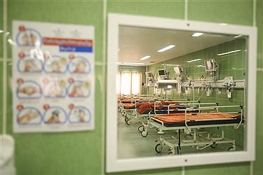 بیمارستان فرهیختگان بزرگترین بیمارستان دانشگاه آزاد اسلامی به مساحت 46.249 مترمربع و زیربنای 46.249 مترمربع و همچنین یکی از مجهزترین بیمارستان های تهران است.