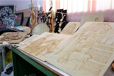 صنایع دستی تولید شده توسط معلولین آموزش دیده