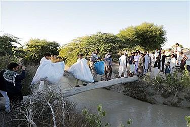 ارسال کمکهای اهدایی دانشگاه آزاد به مناطق سیلزده سیستان و بلوچستان